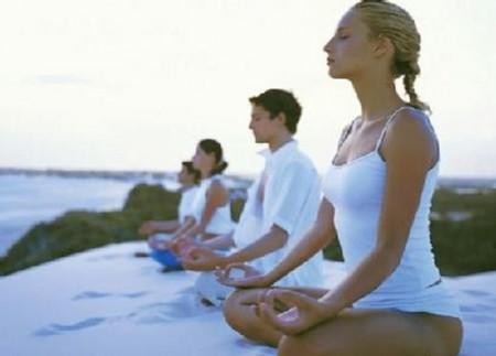 La práctica del yoga comienza con la respiración