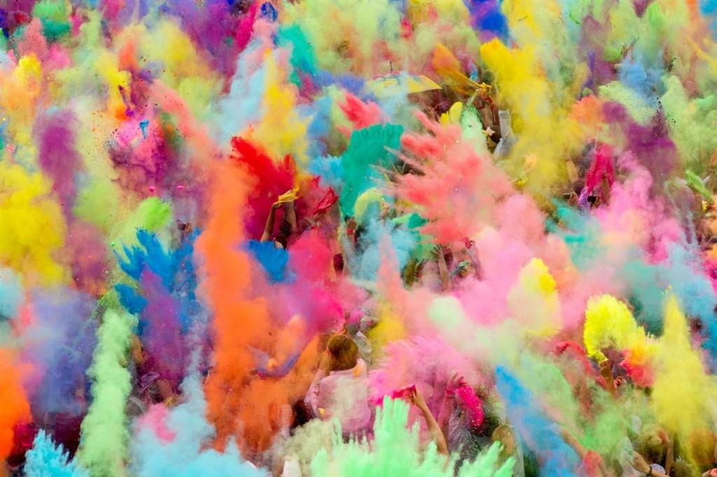 Fiesta HOLY, la fiesta de los colores!