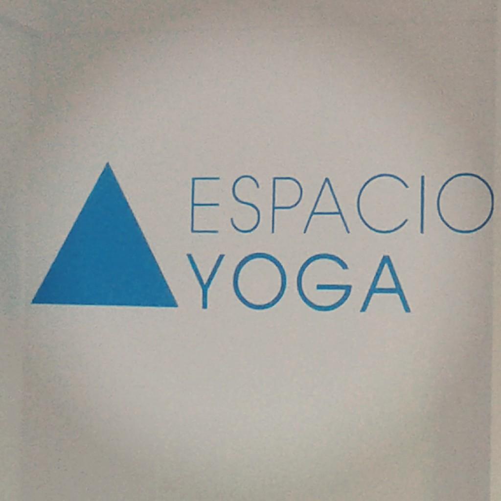 MES ANIVERSARIO de nuestro espacio de Yoga. Hidalgo y Arengreen. Parque Centenario. Caballito.