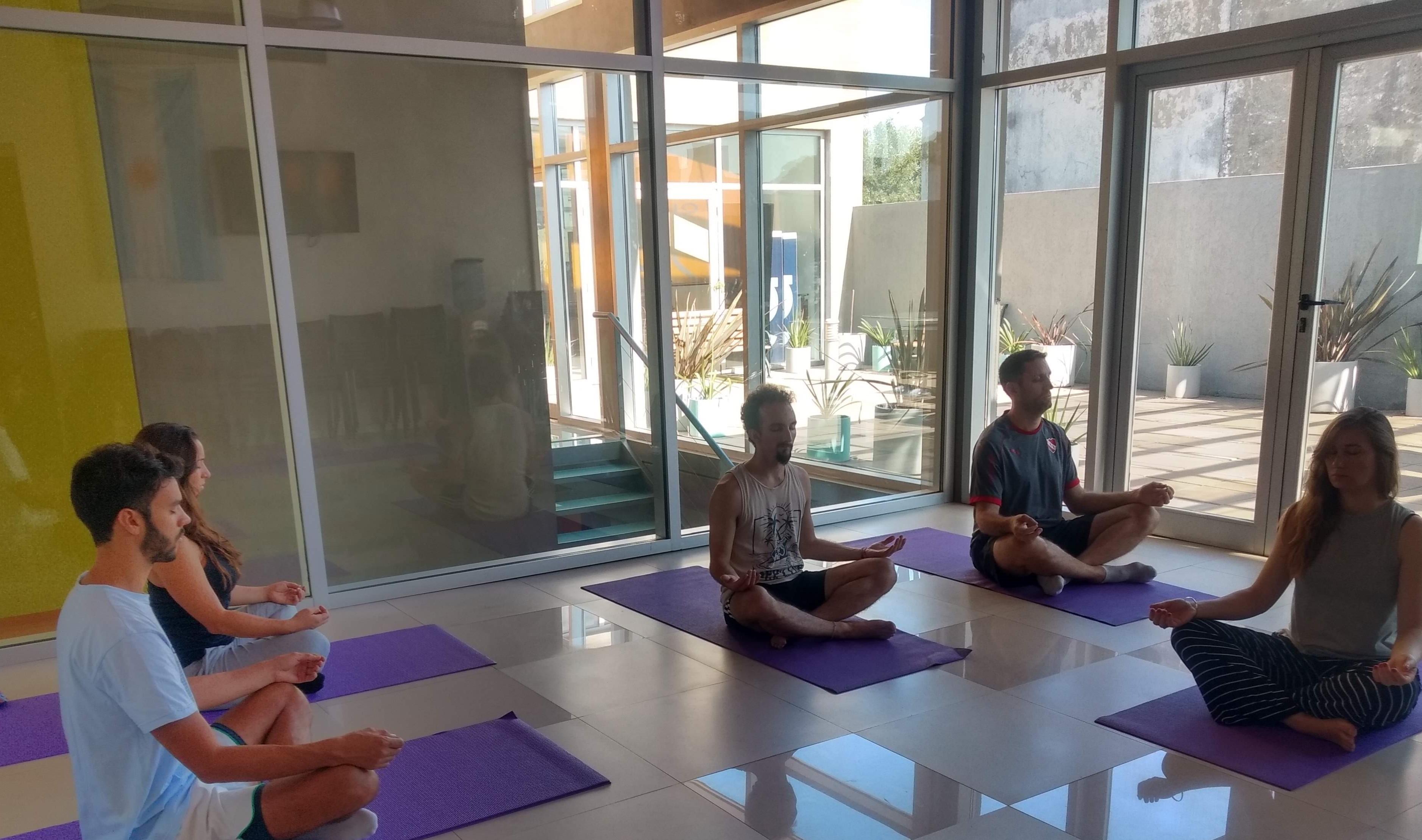 Clases de Yoga para empresas en cuarentena