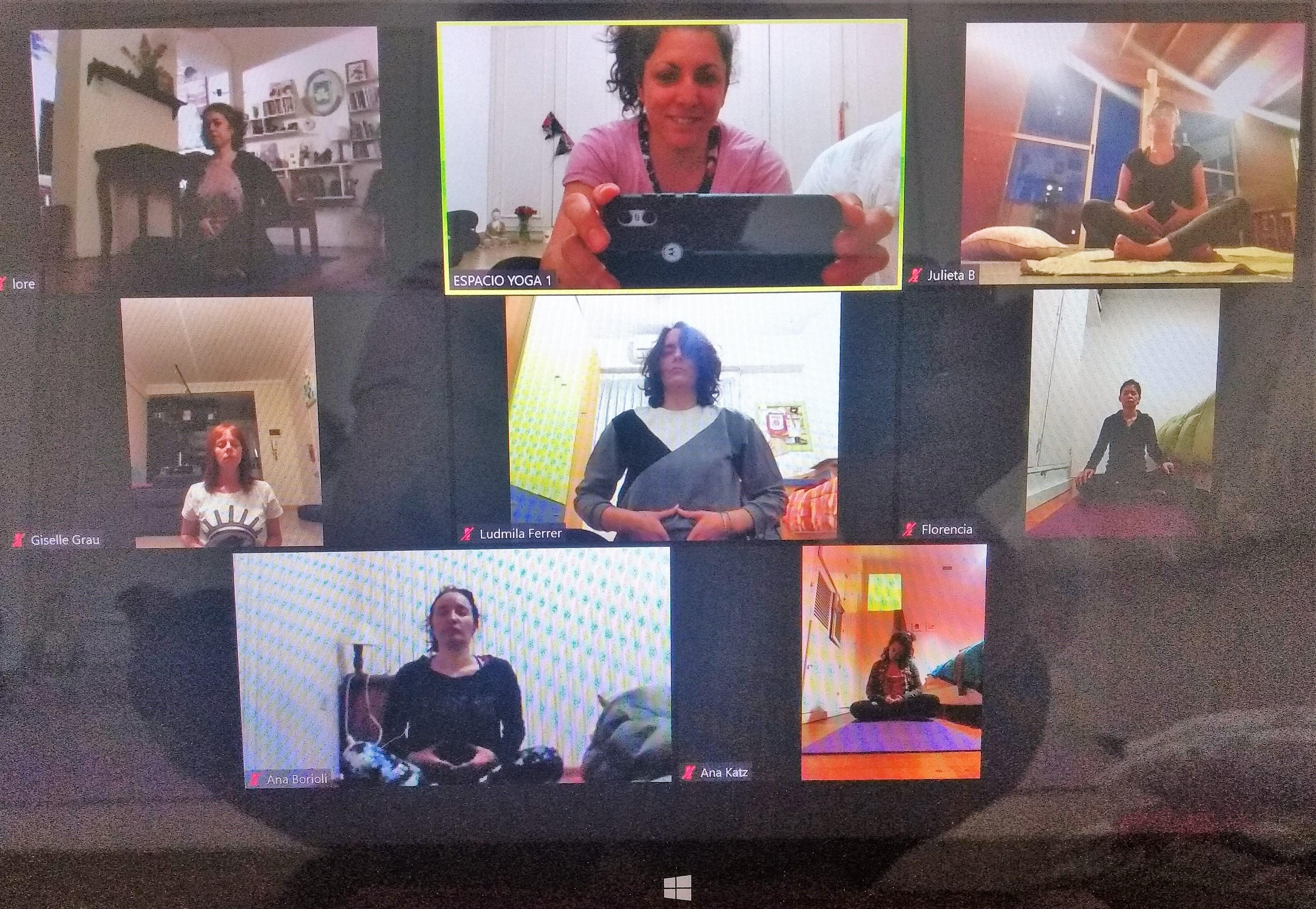 Clases de Yoga online en Octubre seguimos online